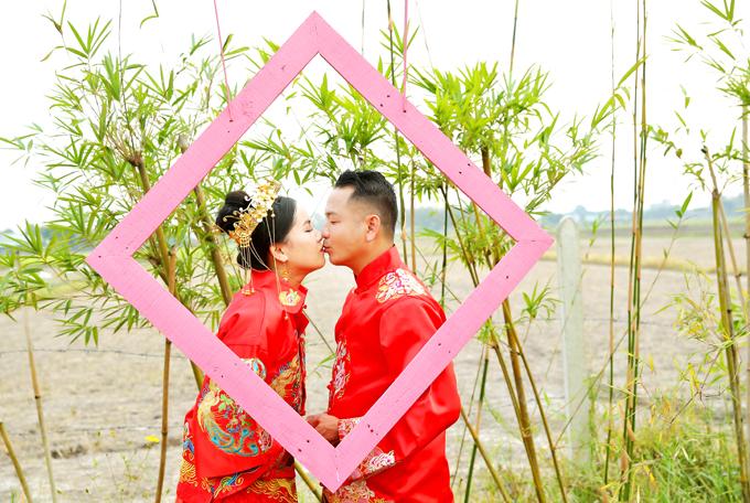Là diễn viên phim truyền hình nhưng sau khi lấy chồng, Thiên Hương lui về hậu phương, tập trung cho vai trò làm vợ, làm mẹ để chồng yên tâm hoạt động nghệ thuật.