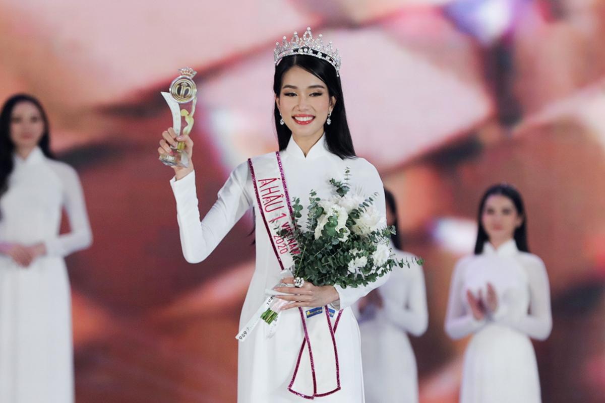Phương Anh vỡ òa cảm xúc khi lên ngôi Á hậu 1 Hoa hậu Việt Nam 2020.