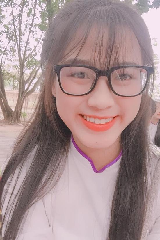 Nhan sắc thuở niên thiếu của Hoa hậu VN Đỗ Thị Hà