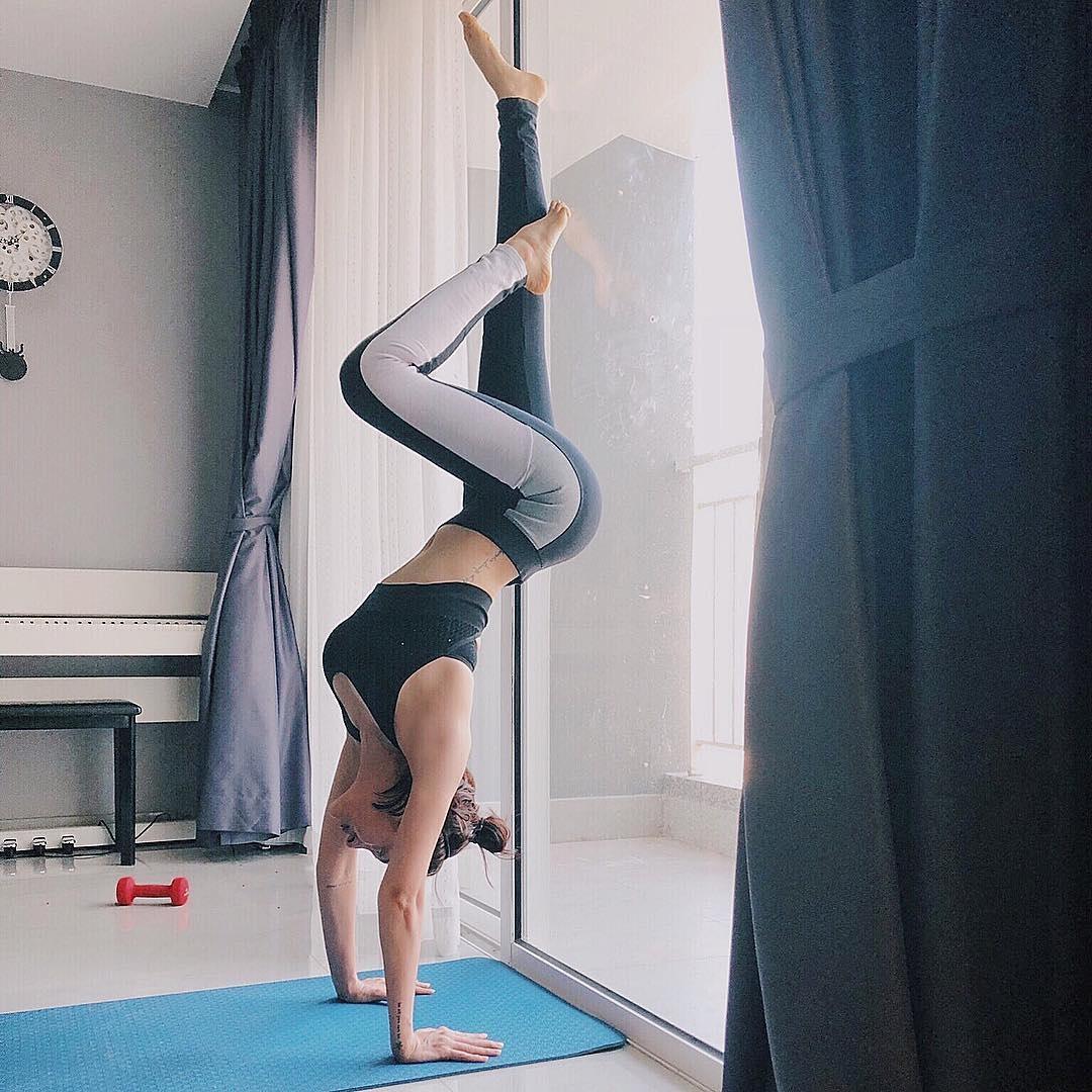 Bảo Anh là một trong những sao Việt tín nhiệm bộ môn yoga để giữ dáng cũng như cân bằng cuộc sống, xả stress.