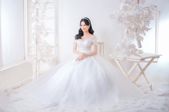 Các mẫu đầm mang phom dáng ball-gown tuy đã xuất hiện từ lâu nhưng vẫn là lựa chọn yêu thích của các cô dâu.
