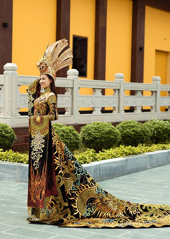 Giành giải phụ tại Miss Earth 2020 khiến Thái Thị Hoa thêm tự tin. Cô hy vọng sẽ đạt thứ hạng cao trong đêm chung kết diễn ra tối 29/11.