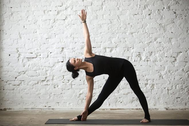 5 tư thế yoga giúp cơ thể dẻo dai - 2