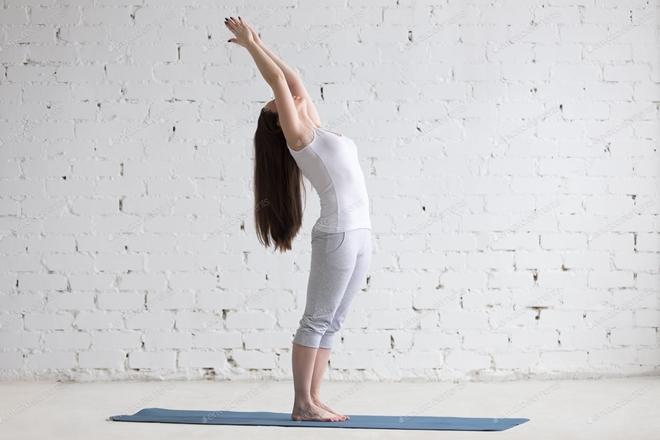 5 tư thế yoga giúp cơ thể dẻo dai - 4