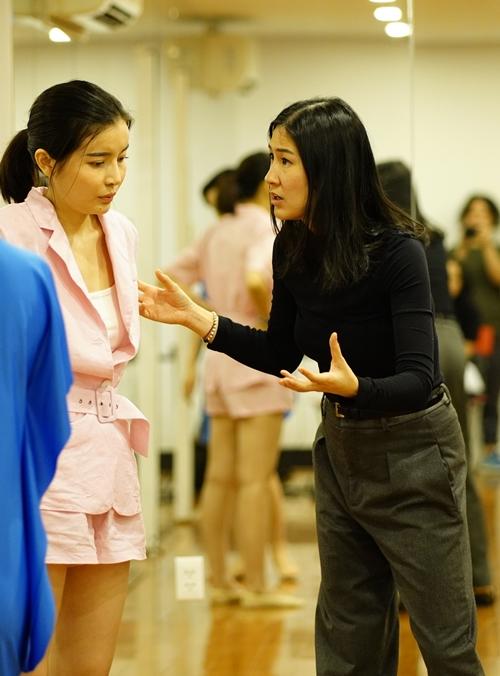 Cao Thái Hà được diễn viên Kathy Uyên huấn luyện diễn xuất trước khi đóng phim Kiều.