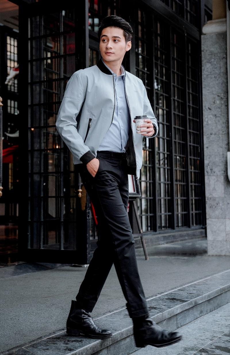 Áo jacket với công nghệ Water Repellent giữ ấm cơ thể, cản gió, thoáng khí và chống nước hiệu quả.