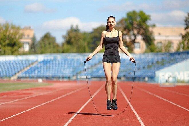 3 bài tập đơn giản giúp giảm mỡ thừa vùng lưng và nách