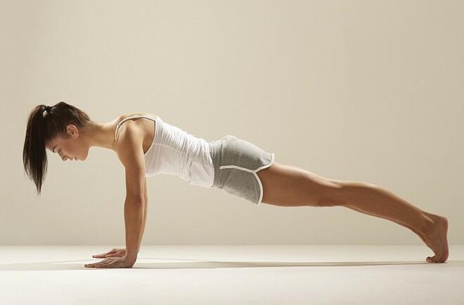 3 bài tập đơn giản giúp giảm mỡ thừa vùng lưng và nách - 2