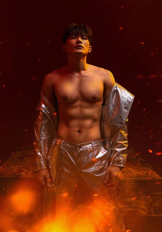 Nam vương người Việt thế giới 2017 hài lòng với diện mạo hiện tại và hứa hẹn sẽ có nhiều cảnh bán nude trong các tập tiếp theo của Ước hẹn làng chài.
