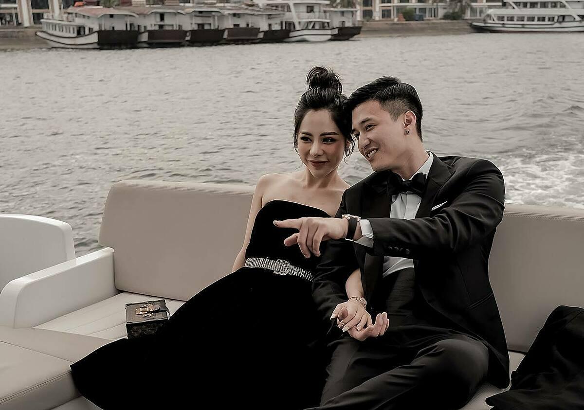 Bạn gái của Huỳnh Anh là MC Bạch Lan Phương, sinh năm 1986. Cô hiện làm mẹ đơn thân, có con gái 8 tuổi và là gương mặt quen thuộc của nhiều chương trình trên VTV. Ngoài ra, người đẹp còn điều hành một trung tâm spa.