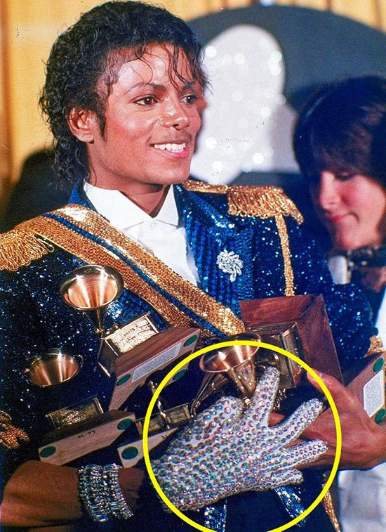 8 bí mật về phục trang của Michael Jackson  - 2