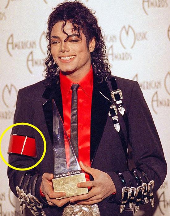 8 bí mật về phục trang của Michael Jackson  - 6