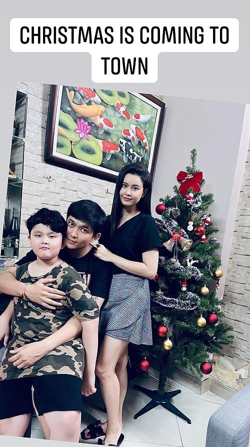 Trương Quỳnh Anh chụp ảnh tình cảm bên chồng cũ và con trai.
