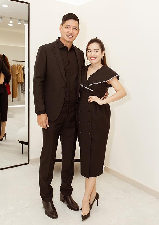 Buổi khai trương lần này chào đón hai khách mời đặc biệt là vợ chồng diễn viên Bình Minh - doanh nhân Anh Thơ.