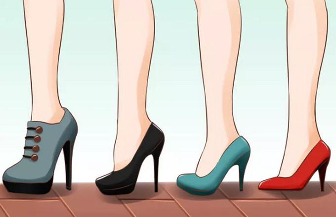 Chọn giày phù hợp  Nếu trước đây bạn chỉ gắn bó với giày đế thấp thì đừng vội sắm những đôi cao tới 10 cm. Thay vào đó, bắt đầu với loại gót 5 - 7 cm là vừa đủ. Bạn cũng có thể thử giày đế xuồng hoặc có quai ngang cổ chân, bởi chúng mang lại sự thoải mái và giữ thăng bằng tốt hơn.