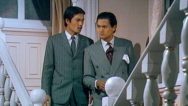 Châu Nhuận Phát (phải), một tài năng được TVB phát hiện và đào tạo.