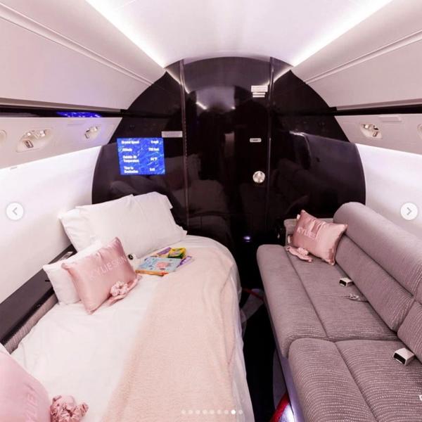 Nội thất tiện nghi của chiếc phi cơ.
