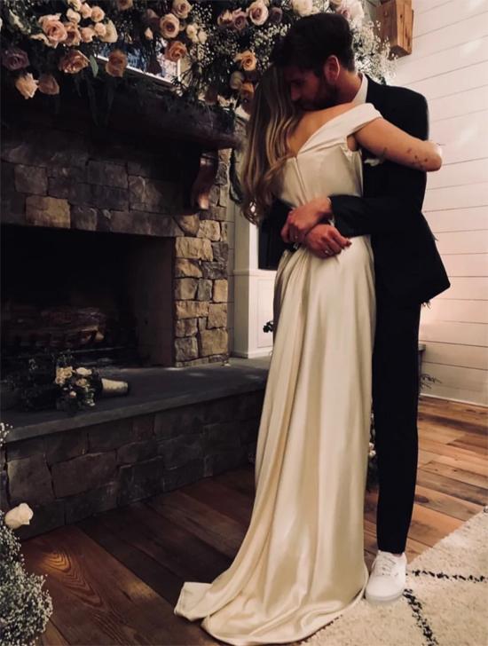 Miley-Liam trong lễ cưới mộc mạc tại quê nhà Tennessee.