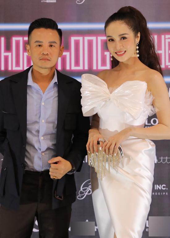 Doanh nhân, diễn viên Hồ Quang Mẫn (trái) là người giới thiệu Lê Thu An đi casting dự án Hoa Phong Nguyệt Vũ. Anh đóng vai một bác sĩ, diễn cùng nữ người mẫu ở dự án này.