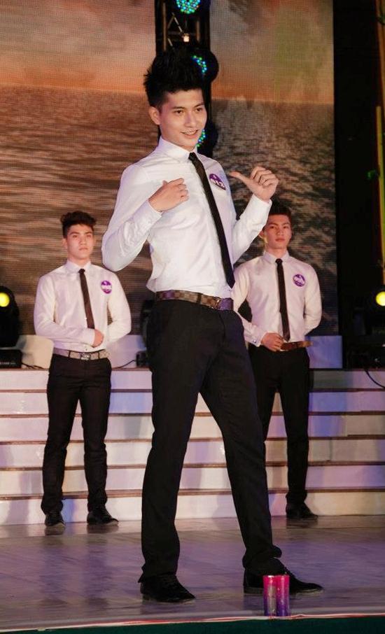 Lâm Bảo Châu sinh năm 1992, tốt nghiệp Đại Học Dân Lập Phương Đông, Hà Nội. Sở hữu lợi thế ngoại hình, anh từng tham gia một số cuộc thi thời trang thời còn sinh viên.