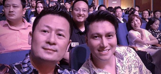 Gương mặt khác lạ của Việt Anh (phải) thời gian gần đây.