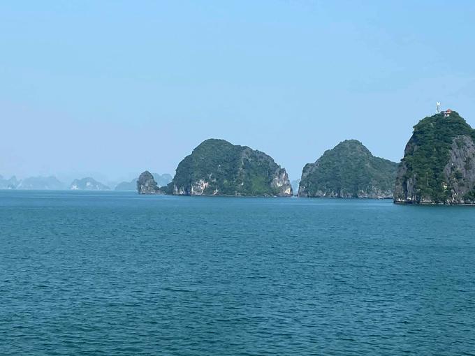 Hari Won và mẹ nghỉ dưỡng trên du thuyền Hạ Long - 6
