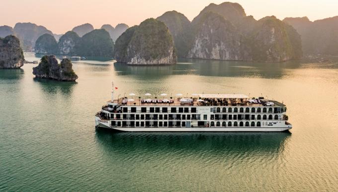 Hari Won và mẹ nghỉ dưỡng trên du thuyền Hạ Long - 12