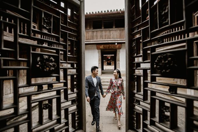 Chúng tôi hay đi du lịch thế giới nhưng chưa nhiều lần du lịch khắp Việt Nam, do đó khi đi xuyên Việt và chụp ảnh ở các địa điểm mới này khiến cả hai đều hào hứng. Ban đầu, bộ ảnh là cách để chúng tôi lưu giữ trọn vẹn những khoảnh khắc thanh xuân của bản thân, nhưng sau đó là muốn khoe với bạn bè quốc tế của mình về Việt Nam, cho mọi người được biết Việt Nam đẹp như thế nào, cặp vợ chồng chia sẻ.