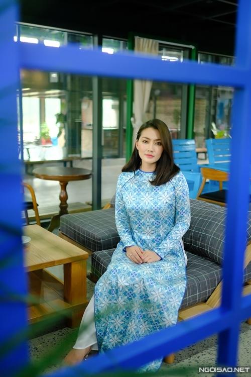 Trước đó một ngày, Ngọc Lan vừa từ Hà Nội bay về TP HCM dự tang lễ của nghệ sĩ Chí Tài.