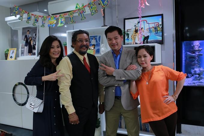Nghệ sĩ Hồng Đào, nhà sản xuất Raja Ramani, nghệ sĩ Quang Minh và nghệ sĩ Việt Hương (từ trái qua).