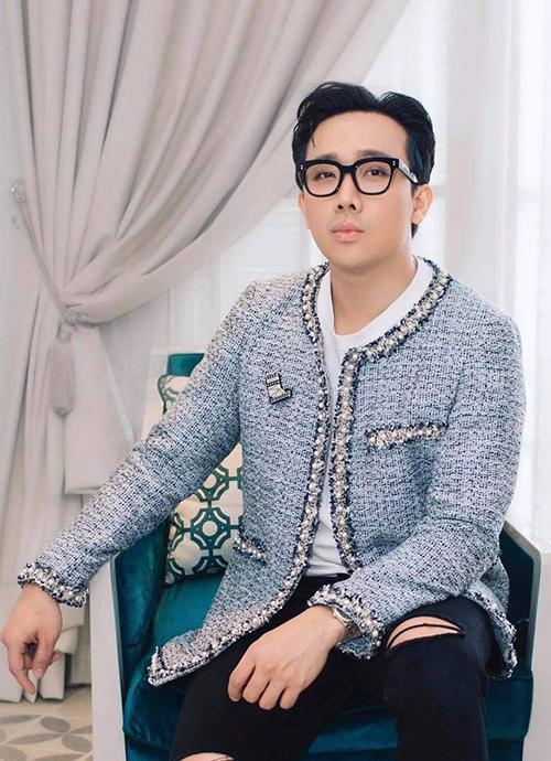 Ngoài tài năng trong lĩnh vực phim ảnh và vai trò người dẫn chương trình truyền hình, Trấn Thành còn được khen ngợi về gu thẩm mỹ và phong cách thời trang cá nhân.
