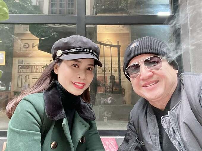 Nghệ sĩ Chí Trung tận hưởng mùa đông không lạnh bên bạn gái Ý Lan.