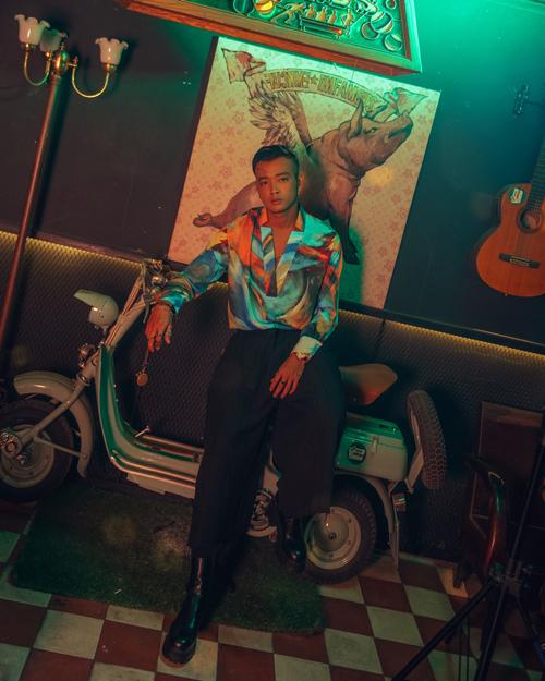 Hoàng Phi tiết lộ, anh đã về chung nhà với Nam Thư, Lê Dương Bảo Lâm, tức là trực thuộc công ty NamThu Entertainment. Nam diễn viên cho rằng, đây là một cột mốc đánh dấu hành trình làm nghề của anh.
