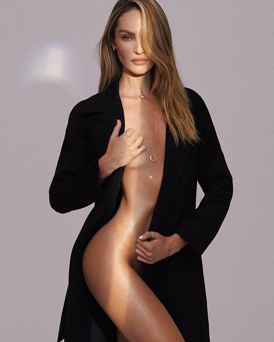 Thiên thần xinh đẹp cũng nhiều lần bán nude hoặc khỏa thân khi thực hiện bộ hình thời trang cho tạp chí.