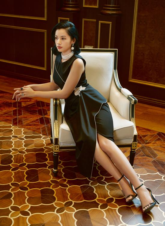 Khi kết hợp phụ kiện trang sức ngọc trai top 15 Hoa hậu Việt Nam 2020 toát lên vẻ kiêu sa, quý phái.