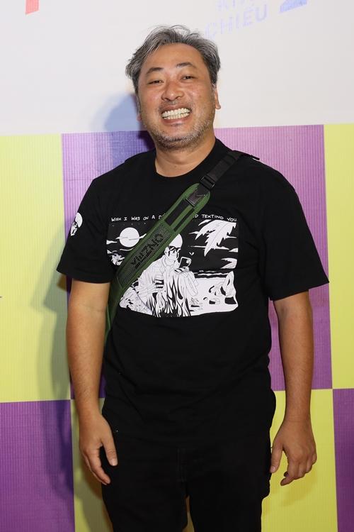 Đạo diễn Nguyễn Quang Dũng đến xem phim của các đồng nghiệp.