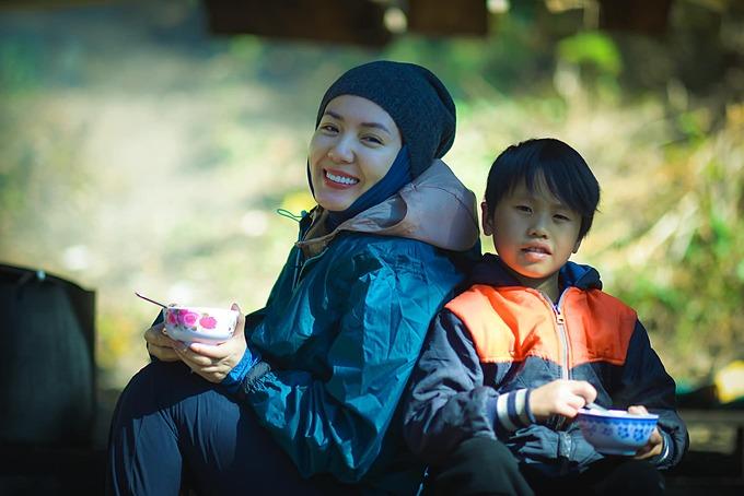 Ca sĩ Phương Linh khoe vừa chinh phục Lùng Cúng đỉnh núi cao 2913m thuộc Mù Cang Chải - Yên Bái.
