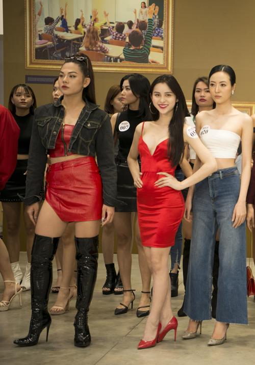 Tham gia buổi casting cho show của Hà Nhật Tiến có sự góp mặt của nhiều người đẹp chuyển giới.