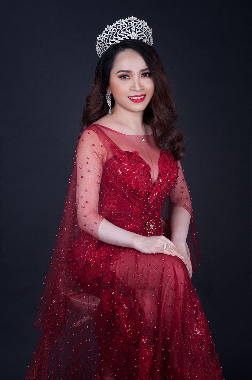 Doanh nhân Nguyễn Thị Huyền Minh - Người đứng sau thành công của Minh Lady Beauty.