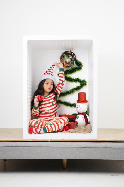 Vào mùa lễ hội, những bộ đồ thun được trang trí họa tiết bắt mắt với nhiều hình ảnh hoạt hình được trẻ em ưa thích.