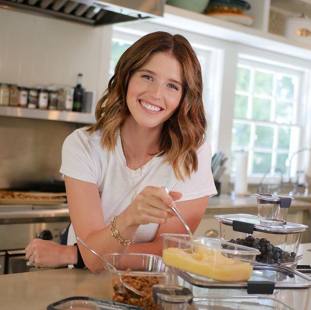 Bà xã tài tử Chris Pratt thường dành thời gian vào bếp, nấu ăn chăm sóc bản thân và gia đình.