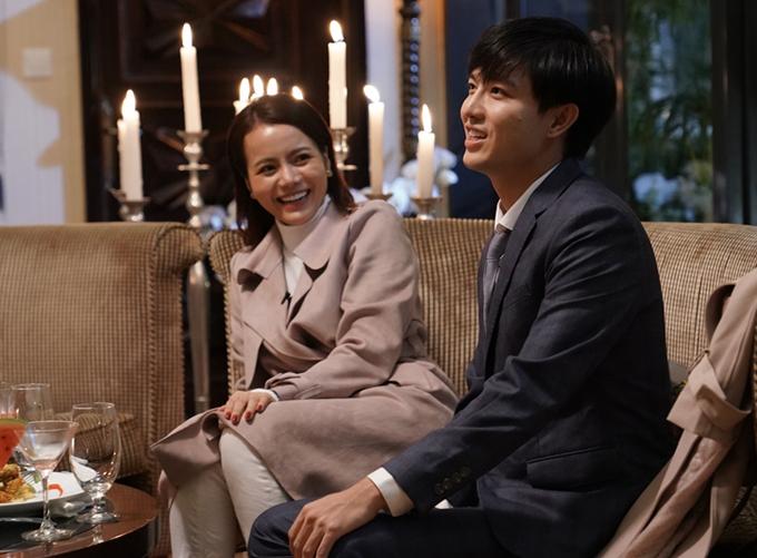 Trong khi các người chơi khác thoải mái bộc lộ cảm xúc cá nhân thì Kim Thành quyết giấu tình cảm thật. Cô từ chối tiết lộ người mình cảm mến trong chương trình. Nữ ca sĩ bị đồn đang bí mật hẹn hò với đàn anh Ngô Kiến Huy.