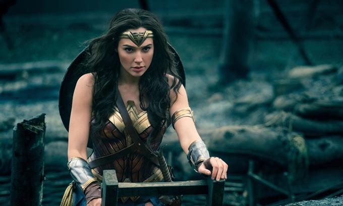 Gal Gadot nổi tiếng sau khi đóng vai Wonder Woman.