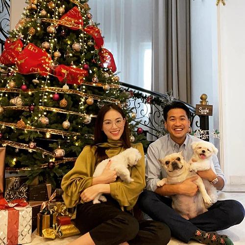 Linh Rin hạnh phúc bên Phillip Nguyễn.