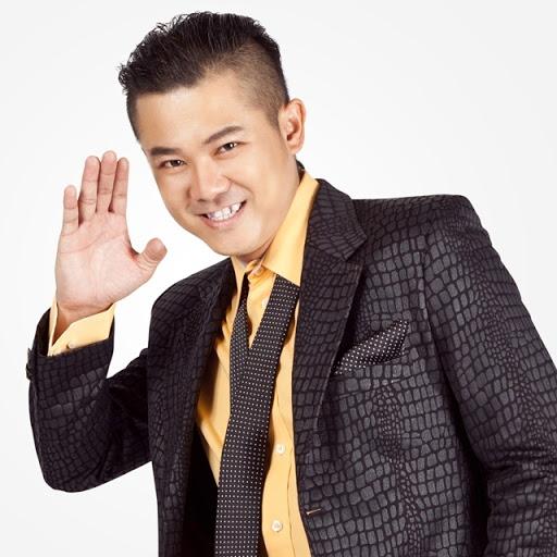 Ca sĩ Vân Quang Long.