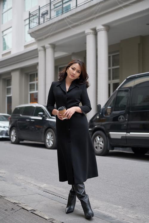Tranh thủ những ngày ở Hà Nội ghi hình cho các chương trình Tết, Ngọc Lan đã thực hiện bộ ảnh mới.