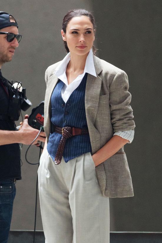 Phong cách quý cô của Gal Gadot trong Wonder Woman 1984 - 14