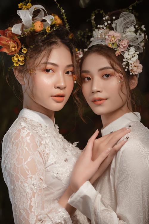 Vẻ đẹp của mùa xuân và những đóa hoa bung nở là nguồn cảm hứng bất tận cho thời trang, âm nhạc, hội họa... và nghệ thuật trang điểm cũng không phải là ngoại lệ.
