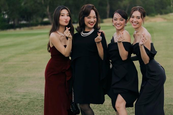 Diễm My 9x, NSND Lê Khanh, Kaity Nguyễn và Lan Ngọc (từ trái qua) dự sinh nhật năm năm thương hiệu điện ảnh Gái già lắm chiêu tại Huế hồi tháng 6.