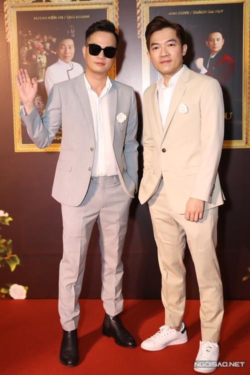 Bộ đôi đạo diễn Bảo Nhân (trái) và Nam Cito - hai tác giả tạo nên loạt phim Gái già lắm chiêu.